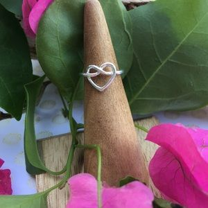 Jewelry - Pretzel heart sterling toe/midi ring adjustable